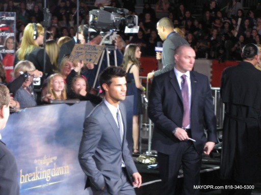 Taylor Lautner on the red carpet THE TWILIGHT SAGA: BREAKING DAWN PART 2